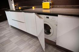 Установка стиральной машины на кухне Королев